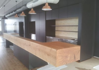 Reference oak wood | oak counter execution company Mandalen in Norway