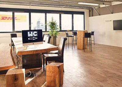 Reference oak wood | holesale hardwood interior, oak Monolith 5 m long and 1 m wide for Renttec Event in Mannheim